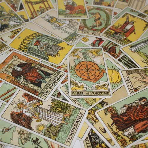Choosing the right deck of tarot card